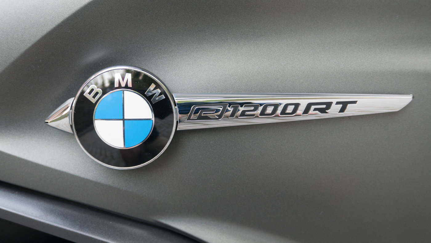 181020 BMW RT 32 Logo.JPG