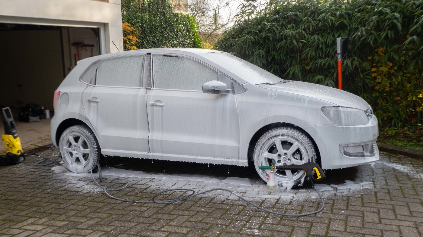 201123 VW Polo 37 foam.jpg