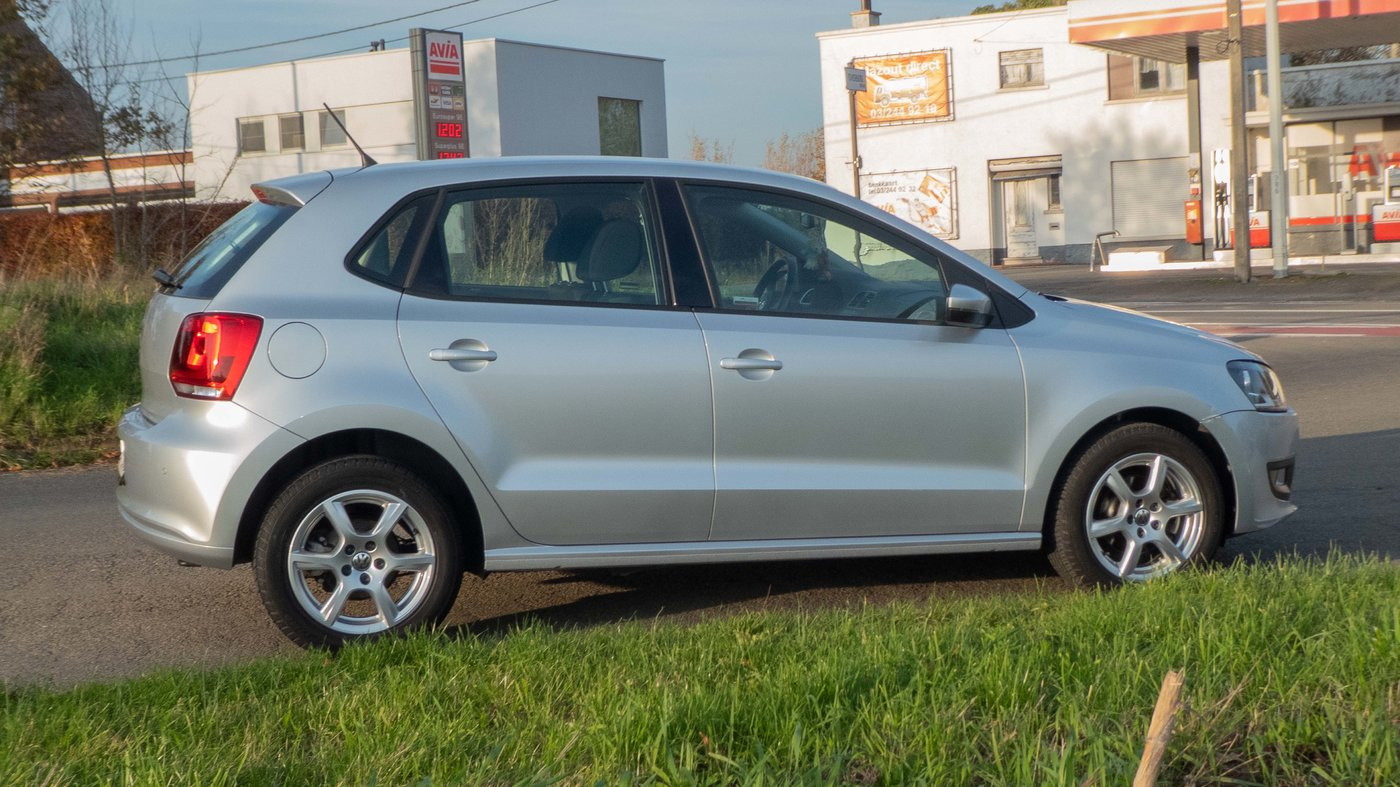 201125 VW Polo 24 zijkant.jpg
