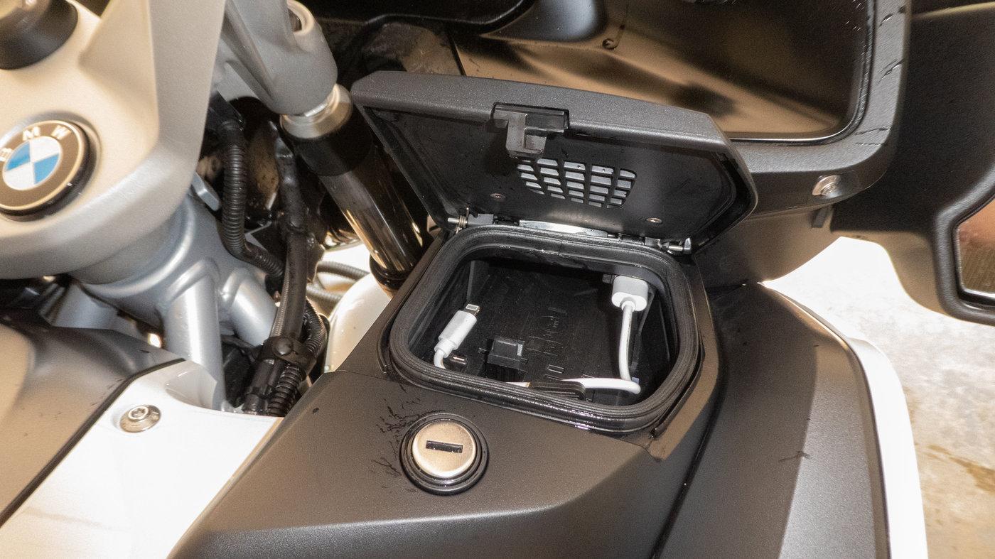 210719 BMW R1250RT II 36 Cradle.jpg