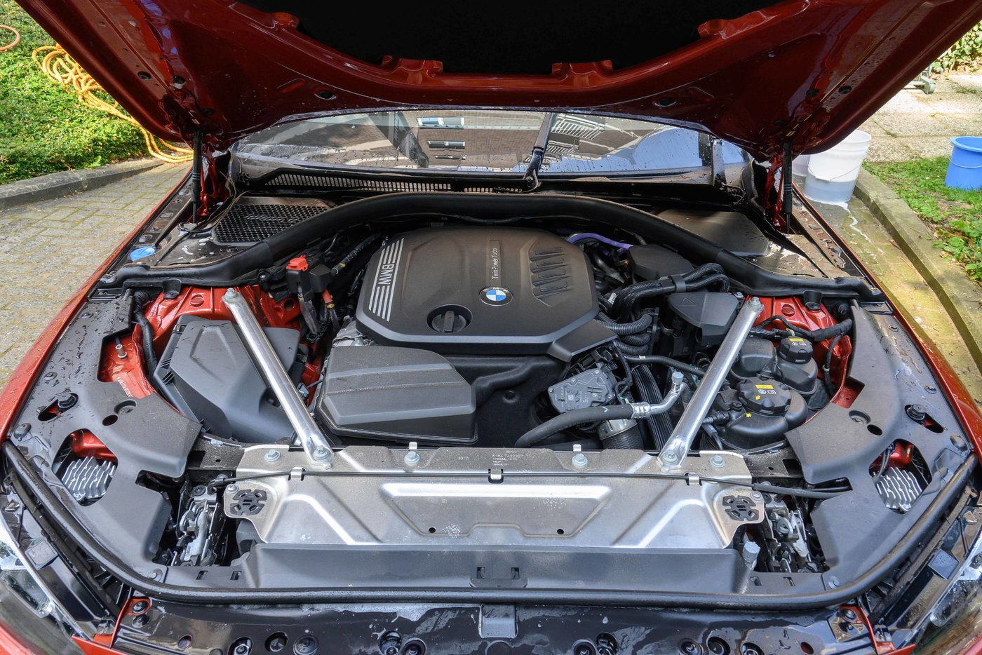 210724 BMW 4 38 motorruimte.jpg
