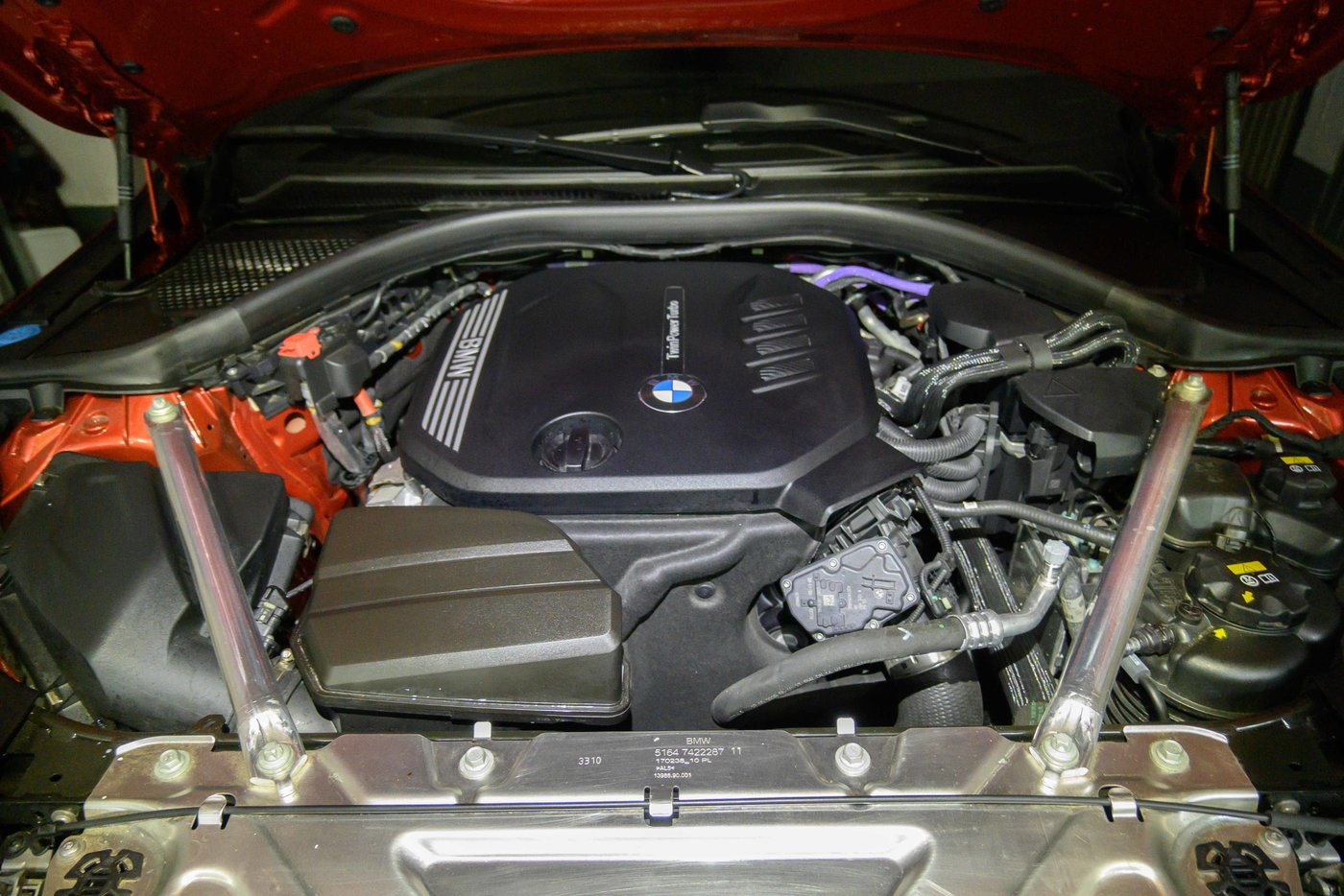 210724 BMW 4 56 motorruimte proper.jpg