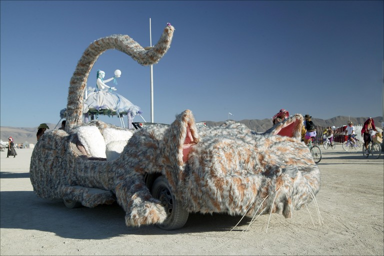 burning-man-cat-art-car.jpg