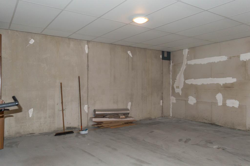 Garage-4_zpsumcv76xy.jpg