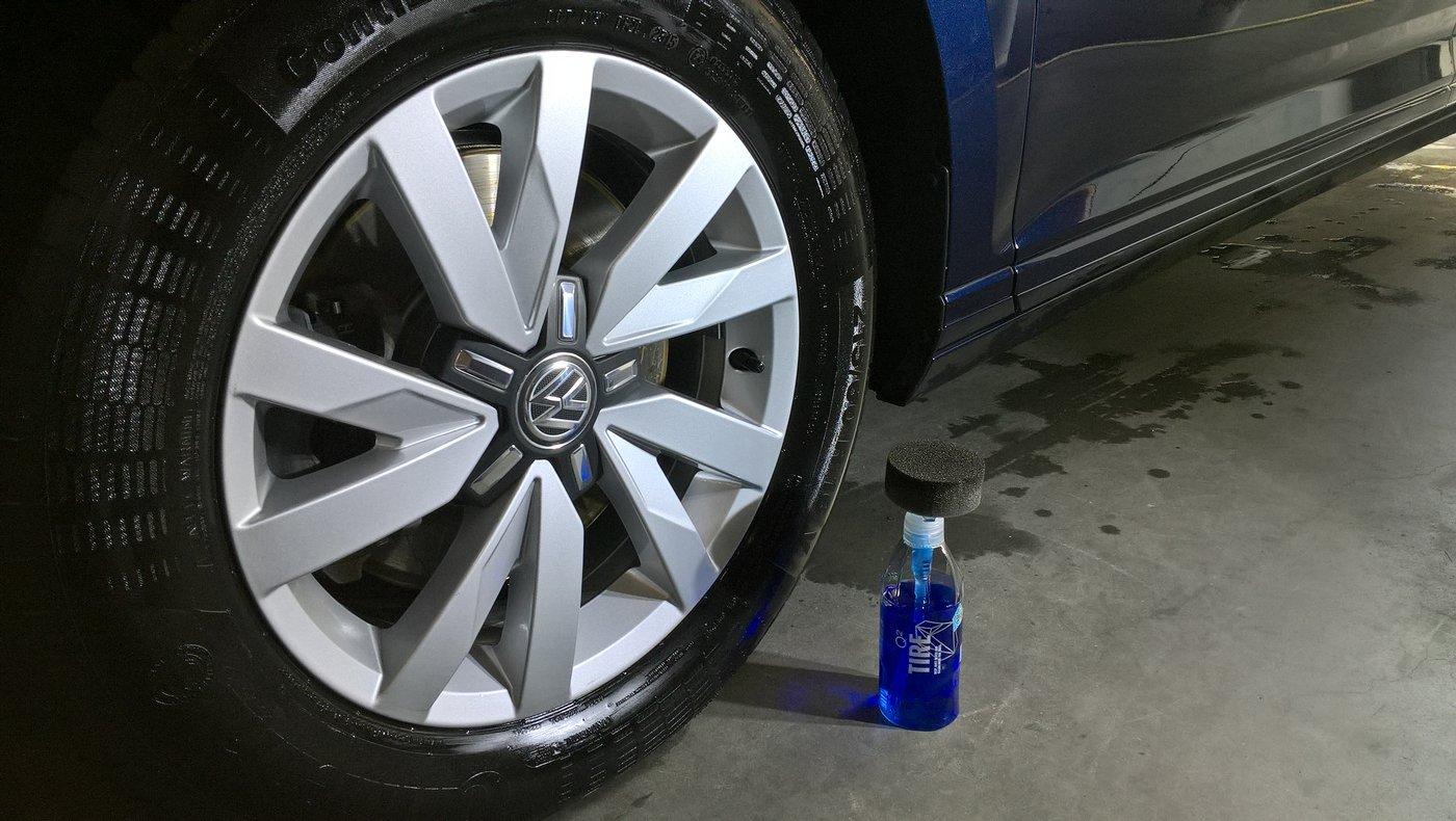 Gyeon - Q2M Tire 03.jpg