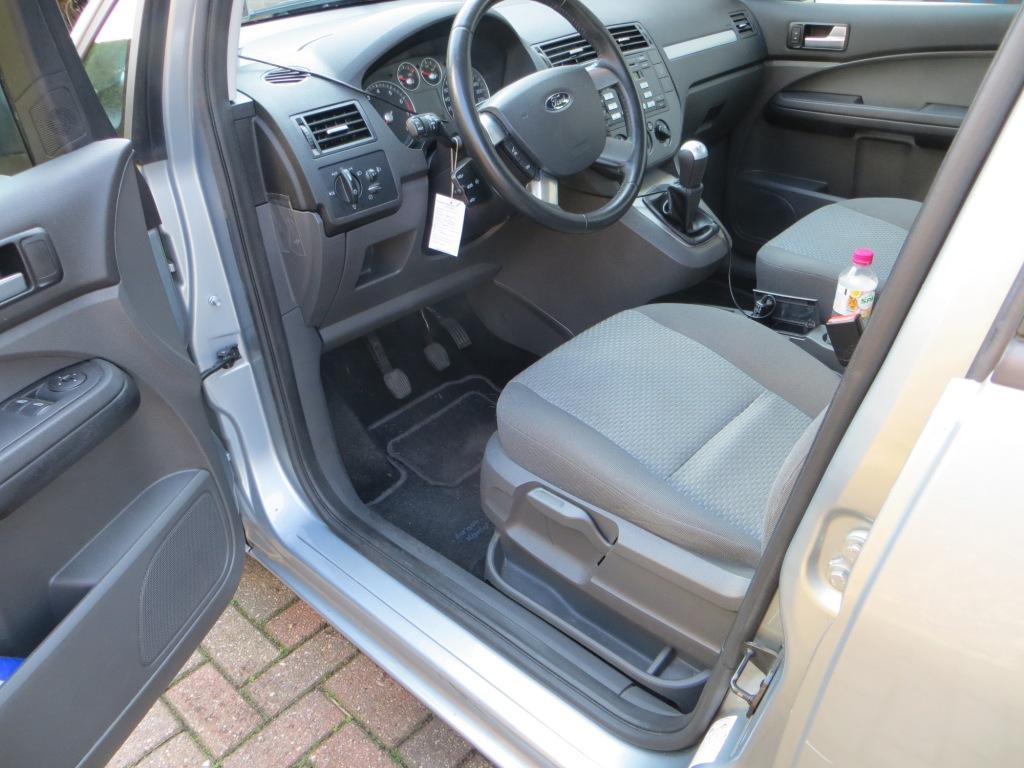 Full detail ford focus c max trend 2005 met for Interieur auto schoonmaken
