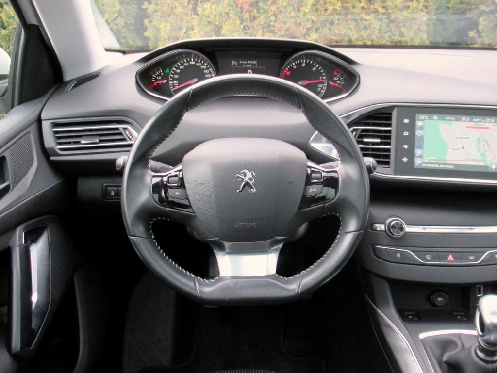 Peugeot-308-1-6-BlueHDi-5-drs-11.jpg