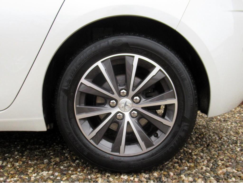 Peugeot-308-1-6-BlueHDi-5-drs-17.jpg