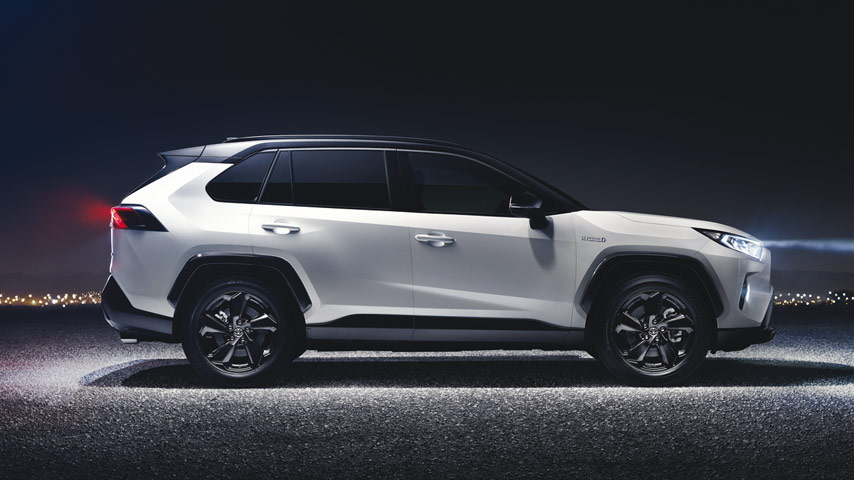 toyota-rav4-2019-coming-soon-header-mobile_tcm-3060-1327505.jpg