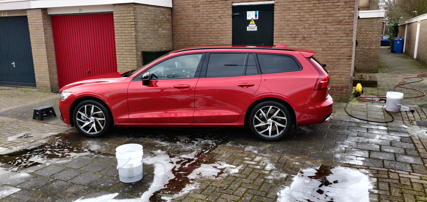 Volvo V60 clean again.jpg